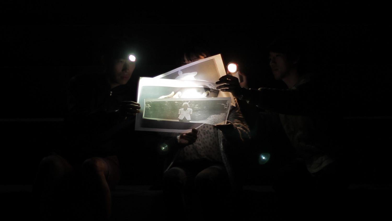 <em>Tracing Ghosts</em>, 2015 <br>en collaboration avec Nicolas Carrier<br>vidéo HD, <br>9'49