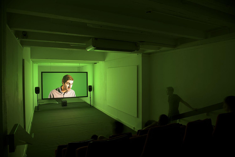 <em>Embedded</em>, 2015 <br>projection vidéo