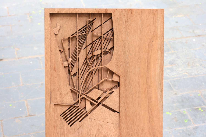 <em>Porte-dessin</em>, 2013 <br>bois <br>60 x 50 x 30 cm