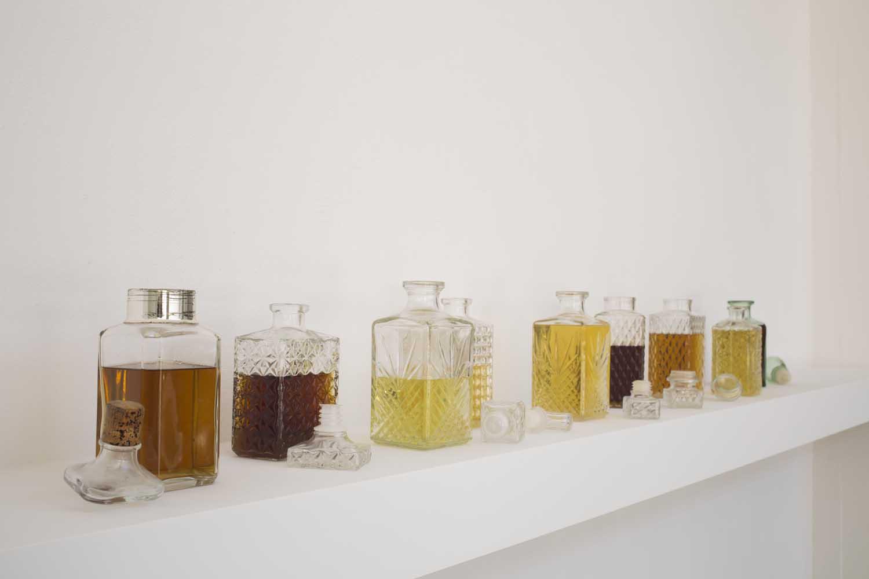 <em>Liqueurs</em>, 2014 <br>alcool à 90°, eau, sucre, lavande, féjoa, citronnelle, arbouse, orange <br>quantités variables