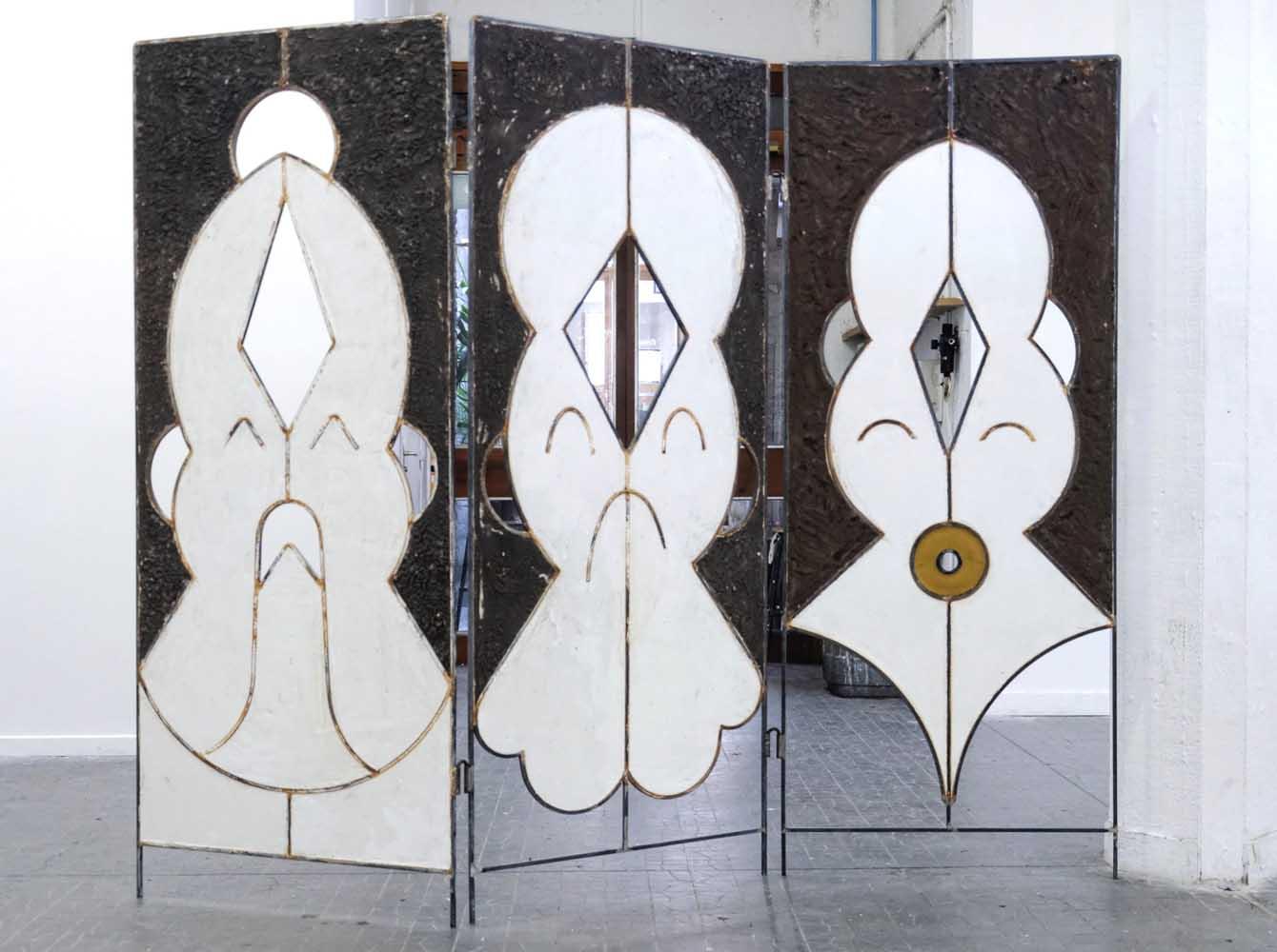 <em>Syncrétismes autophages</em>, 2014 <br>en collaboration avec Omar Rodriguez <br> métal, plâtre, limaille de fer, cire d'abeille