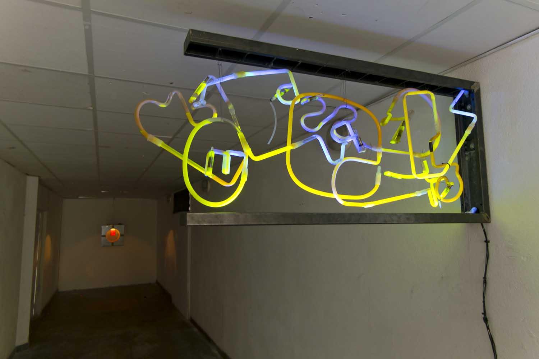 <em>Franken</em>, 2015 <br>en collaboration avec Jeanne Berbinau Aubry <br>métal, système  lumineux