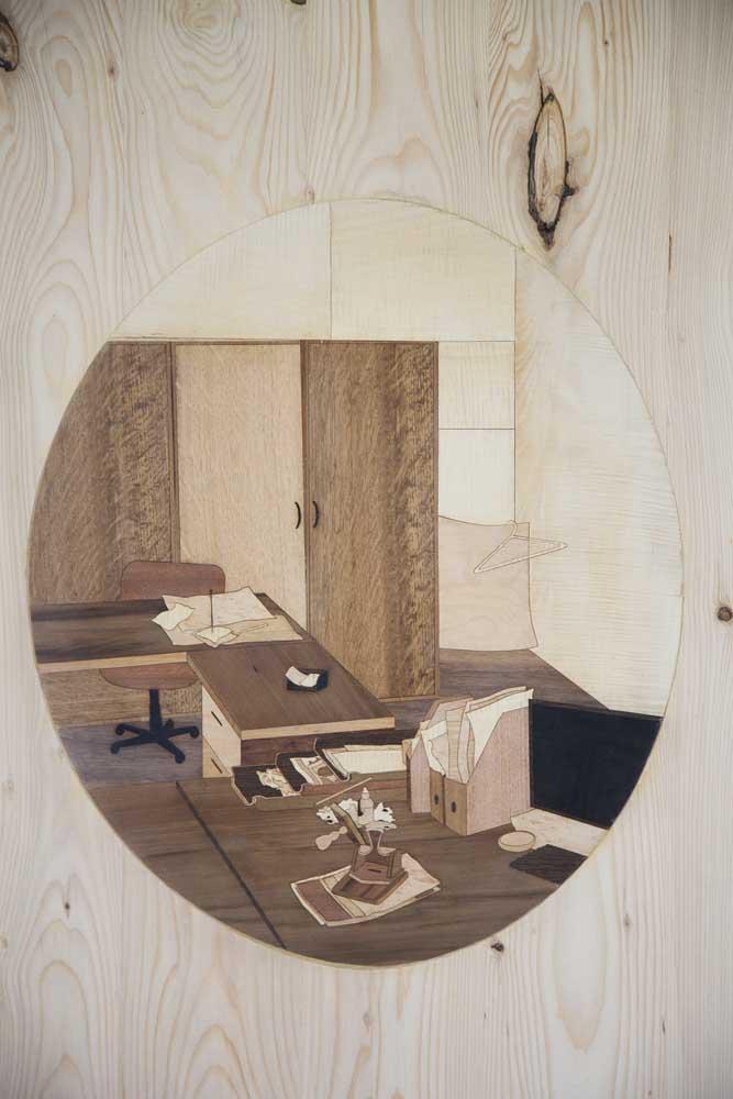 <em>Oculus</em>, 2015 <br>bois, technique mixte <br>200 x 80 cm