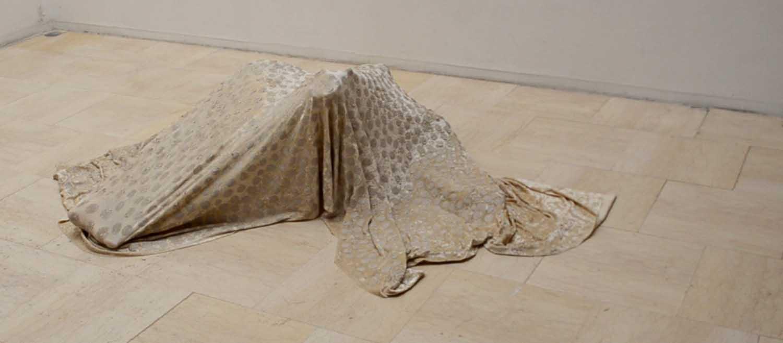 <em>Entre sol</em>, 2015 <br>en collaboration avec Marie Ratet (danseuse)